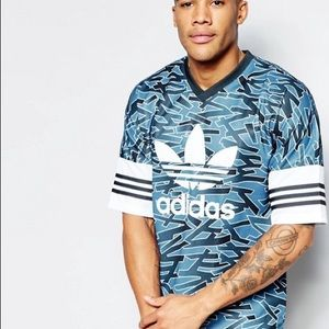 Adidas shatter stripe aop jersey size small